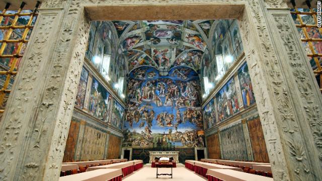 Preparan la Capilla Sixtina para el cónclave donde se elegirá al nuevo Papa