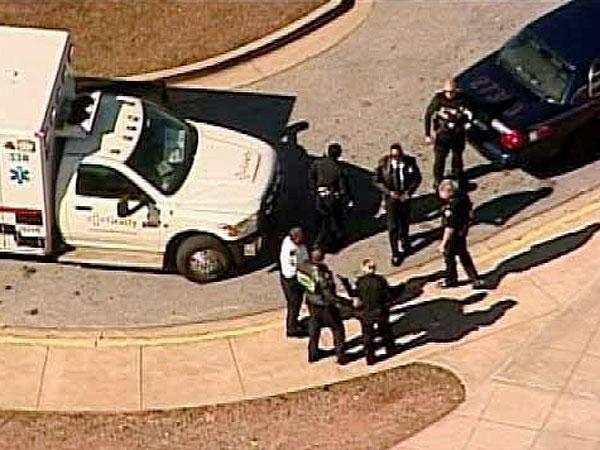 Otro tiroteo en los Estados Unidos: dos heridos en una escuela de Atlanta