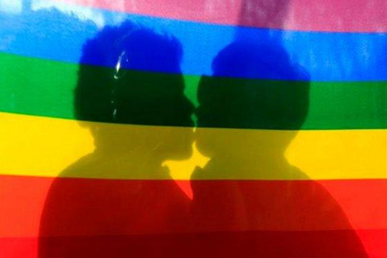 Colombia, Uruguay y Nueva Zelanda están tramitando leyes para autorizar estas uniones.