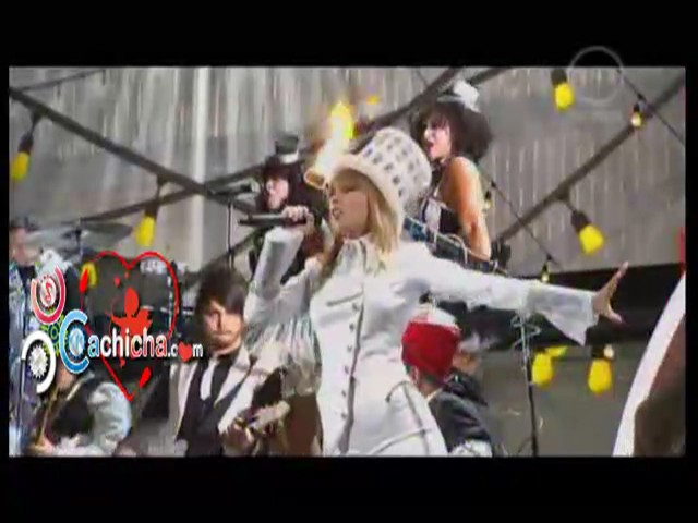 Presentacion De Taylor Swift En Los #CachichaGrammys #Video