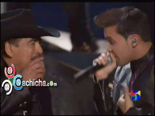 Prince Royce ft. Joan Sebastian – Incondicional #Latingrammy 2012 #Video