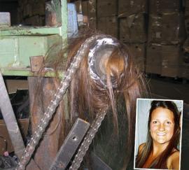 Su pelo suelto casi la mata