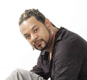 Sacan discos de Luis Vargas del Grupo Telemicro por no ir a un evento que coincidió con la muerte de su madre