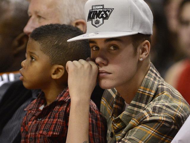´Aunque yo no estaba presente ni involucrado en este trágico accidente, mis pensamientos y oraciones están con la familia de la víctima´, dijo Bieber en un comunicado.