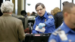 140302220029_sp_tsa_guard_checks_documents_624x351_ap