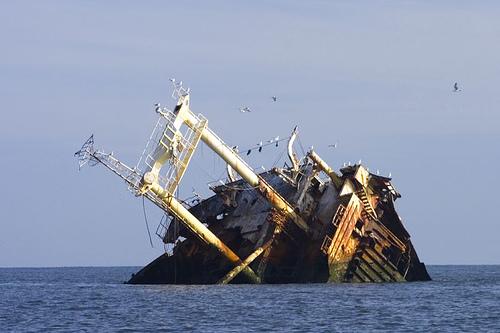 Solo dos sobrevivientes al hundirse barco con más de 160 personas en Nigeria