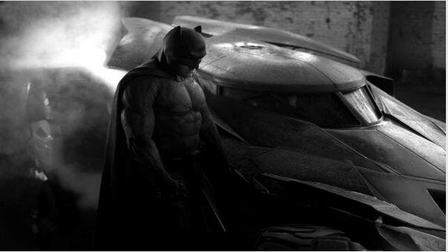 Así luce Ben Affleck como Batman y este es su batimóvil