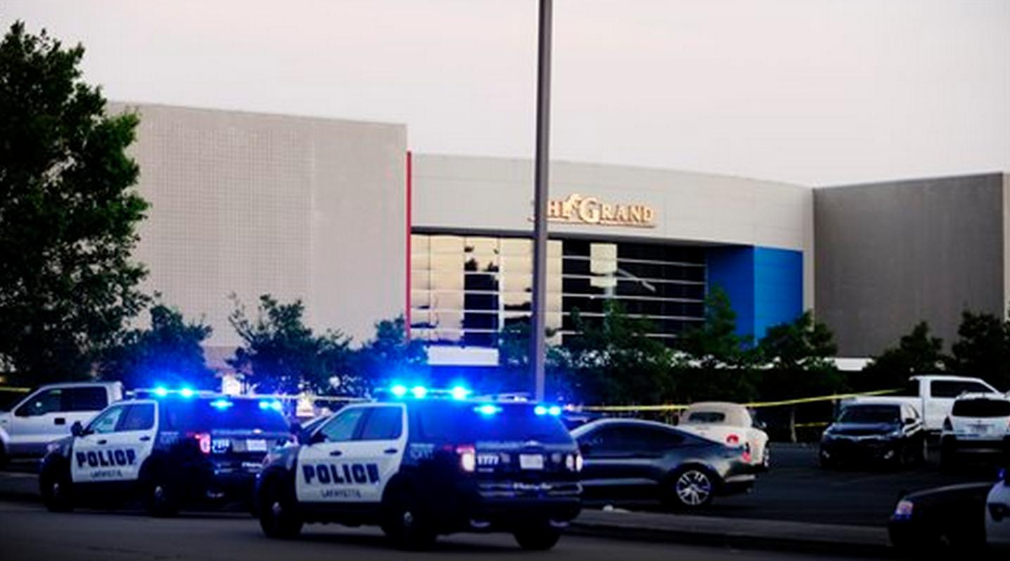 Tres muertos en balacera en cine