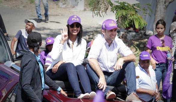 Dos de las hijas de Danilo se integran a campaña electoral