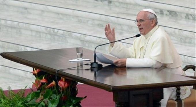 El Papa Denuncia