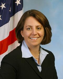 Una mujer, entre los candidatos a dirigir el FBI Monaco-Lisa