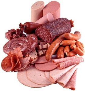 Comer carne procesada aumenta riesgo de morir antes, según estudio