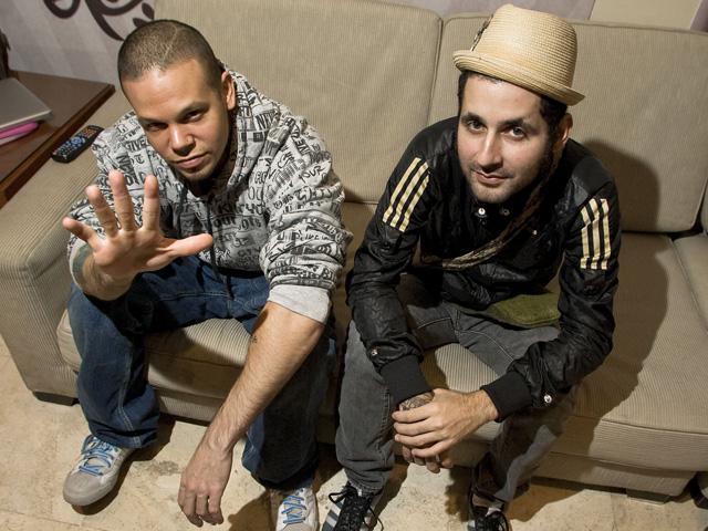 Calle 13 estrena el tema ´Ojos color sol´ junto a Silvio Rodríguez
