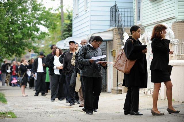 Los pedidos iniciales de beneficios estatales por desempleo subieron en 24.000, a una cifra desestacionalizada de 329.000 para la semana que terminó el 19 de abril